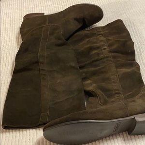 Dark brown flat below the knee boots